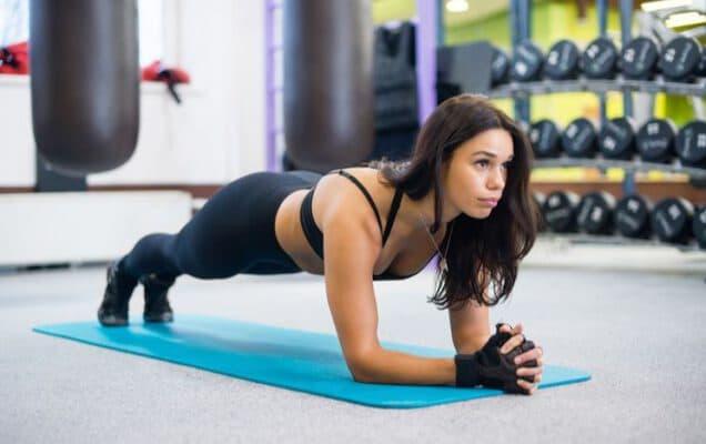 ฟิตหุ่นผู้หญิง เตรียมอวดหุ่นในบิกินี่ด้วยตารางออกกำลังกาย online fit workout women schedule healthplatz