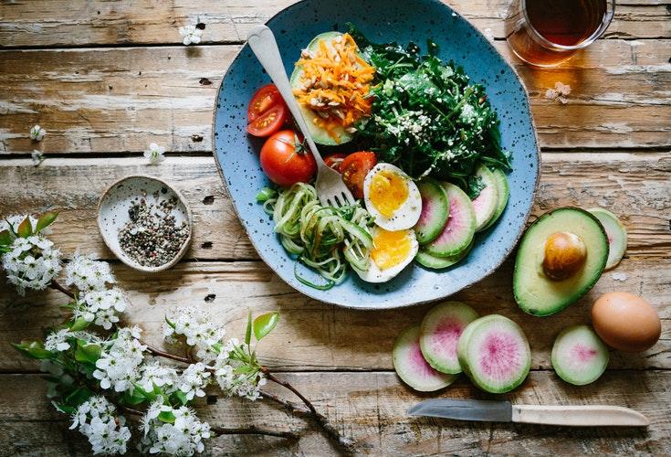 เลือกผักผลไม้ออร์แกนิค เลี่ยงการสะสมของสารพิษที่ทำให้ระบบเผาผลาญช้าลง