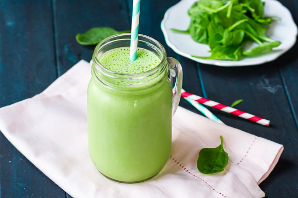 Iron Rich Smoothie Banana Spinach สมูทตี้ กล้วย ผักขม Superfood Super Food Smoothie Healthy Hair อาหาร บำรุงผม Online Shop Healthplatz Thailand