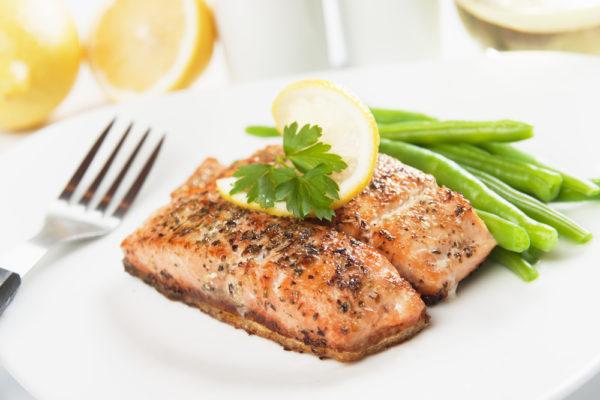 Salmon แซลมอน ดื่มน้ำ เตรียมตัวเป็นคุณแม่ อาหารบำรุงครรภ์ ตั้งครรภ์ ท้อง มีน้อง pregnant superfoods Online Shop Healthplatz Thailand