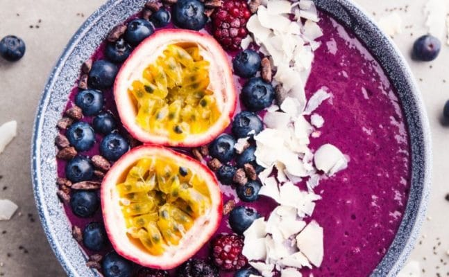 organic acai, acai bowl, breakfast, healthy menu, berries, anti-oxidants