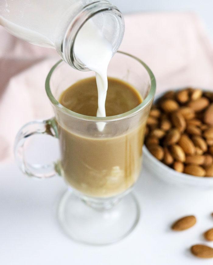 3coffee almond milk ไอเดีย เมนูคลีน เพื่อลดน้ำหนัก ทำง่าย ทำเองได้ที่บ้าน Healthplatz online organic superfoods store healthy menu for quarantine